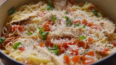 One pot chicken parmesan pasta the chunky chef jpg 1600x900