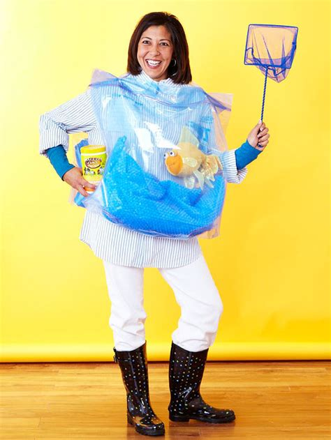 16 easy diy halloween costumes real simple jpg 550x733